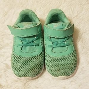 Nike Girls Tanjun Size 6C